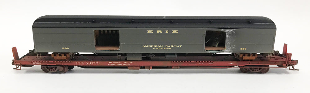N Custom 89' Flat w/Damaged Erie Baggage Car