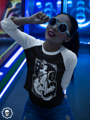 Death Geisha Sitting on Skull | 3/4 sleeve raglan shirt
