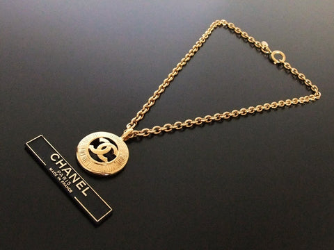 Authentic vintage Chanel necklace chain choker CC pendant