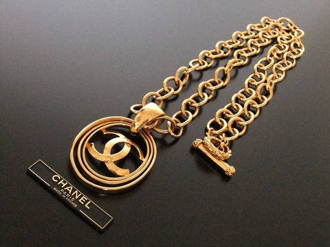 Authentic vintage Chanel necklace chain choker gold CC 3 hoops pendant