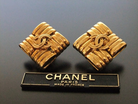 Authentic vintage Chanel earrings gold CC rhombus large