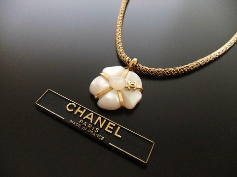 Authentic vintage Chanel necklace chain choker CC white stone flower pendant