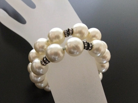 Authentic Vintage Chanel bracelet bangle pearl rhinestone