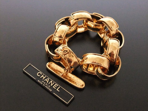 Authentic Vintage Chanel bracelet bangle cuff gold CC