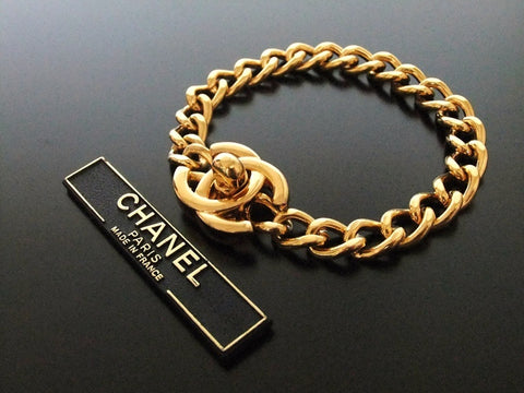 Authentic Vintage Chanel bracelet bangle gold turnlock CC
