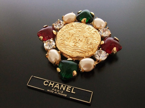 Authentic vintage Chanel pin brooch CC glass stone pearl rhinestone