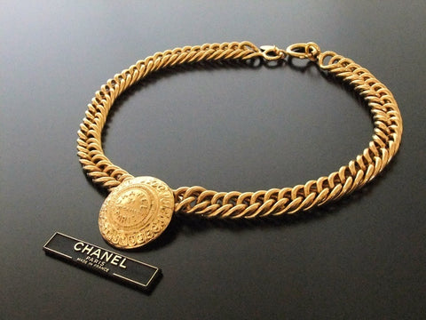 Authentic vintage Chanel necklace chain choker 31 rue cambon pendant