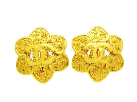 Vintage Chanel flower earrings CC logo