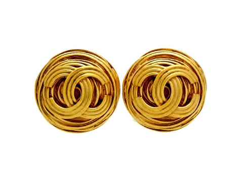 Vintage Chanel round earrings CC logo