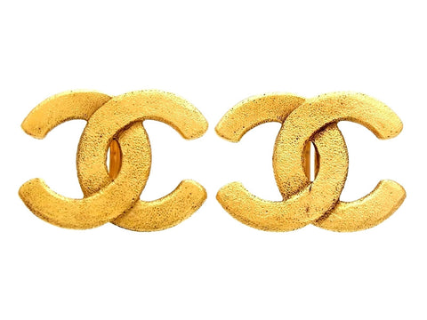 Vintage Chanel earrings CC logo big