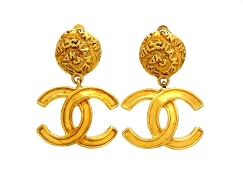 Vintage Chanel dangle earrings CC logo
