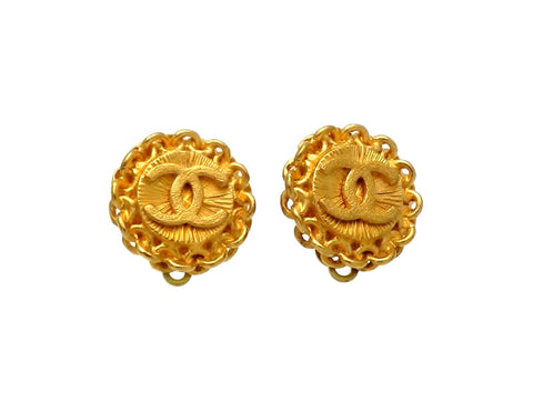 Vintage Chanel earrings CC logo round small