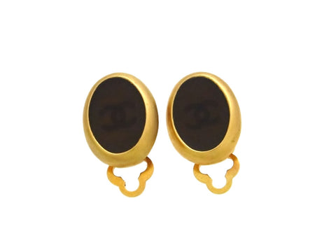 Vintage Chanel earrings CC logo round brown