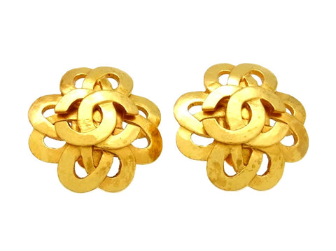 Vintage Chanel earrings CC logo flower