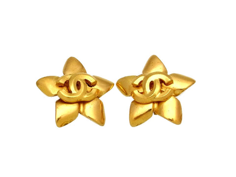 Vintage Chanel earrings CC logo star
