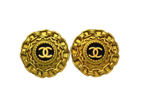 Vintage Chanel earrings CC logo round black