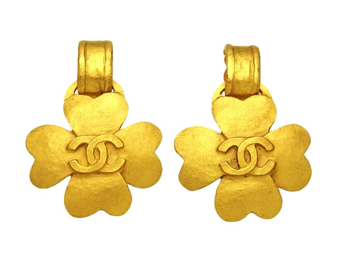 Vintage Chanel earrings CC logo clover dangle