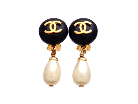 Authentic vintage Chanel earrings CC logo clip teardrop pearl dangled