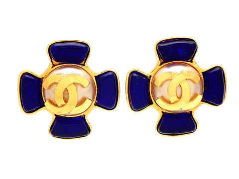 Authentic vintage Chanel earrings Flower Blue Stones White Round Centered CC logo