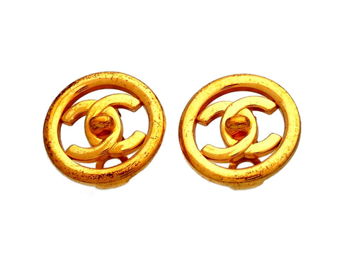 Authentic vintage Chanel earrings  turnlock CC logo Round Frame