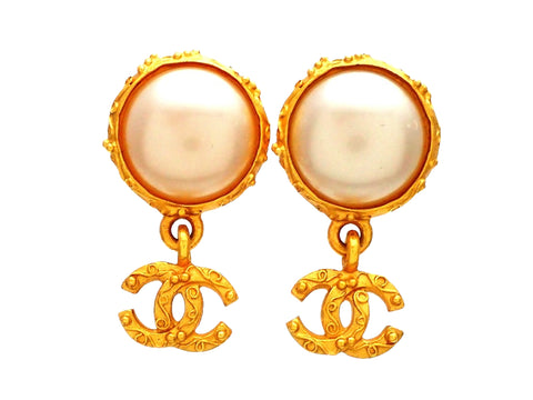 Authentic vintage Chanel earrings decorative round faux pearl clip CC logo double C dangled