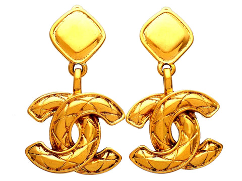 Authentic vintage Chanel earrings Square Clip Quilted CC logo Dangled