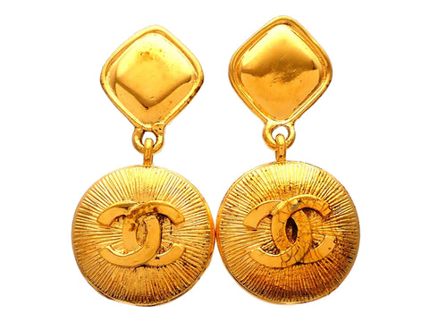 Authentic vintage Chanel earrings Rhombus Clip CC logo Round Dangled
