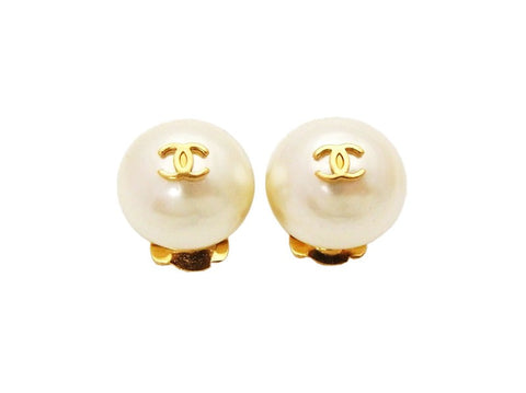 Authentic vintage Chanel earrings CC logo white pearl small earrings