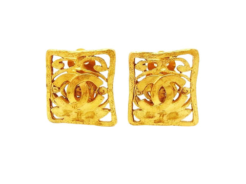 Authentic vintage Chanel earrings CC logo gold quadrangle earring