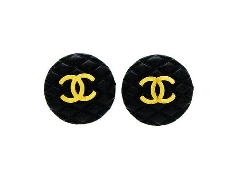 Chanel earring CC logo black quilted round Authentic