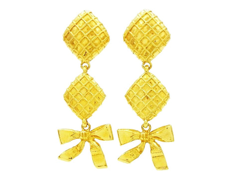 Chanel dangling earring rhombus ribbon Authentic