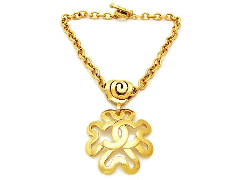 Authentic vintage Chanel necklace choker chain gold CC flower pendant