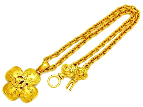 Vintage Chanel necklace CC logo clover