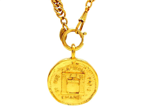 Vintage Chanel necklace rue cambon paris medallion