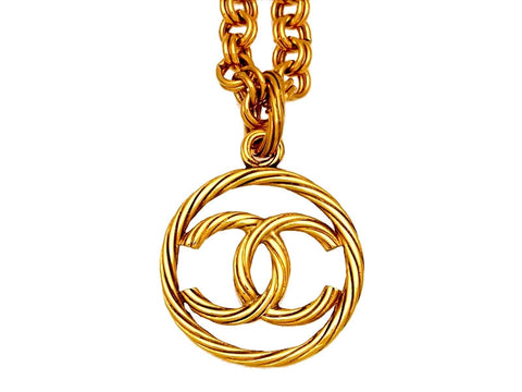 Vintage Chanel necklace CC logo round