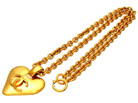 Vintage Chanel necklace CC logo heart