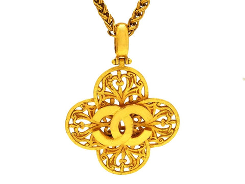 Vintage Chanel necklace CC logo flower