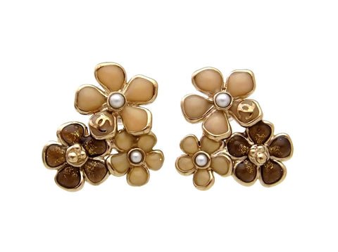Vintage Chanel stud earrings flowers