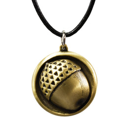 Wear Bilbo's symbolic acorn button round your neck with this stylish bronze finished pendant complete with a leather chain; as seen in The Hobbit: An Unexpected Journey. This pendant is officially licensed The Hobbit merchandise arriving in an officially branded gift box.