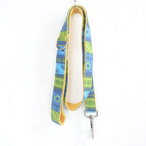 The Blue Daisy Leash