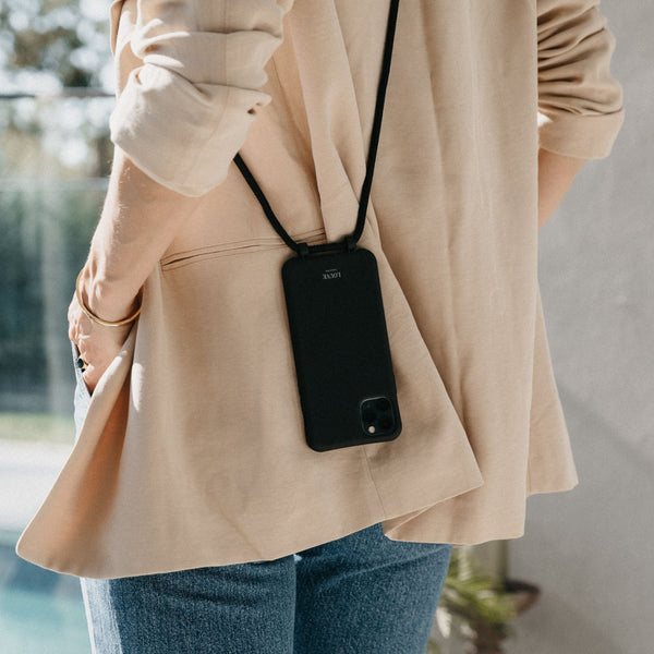 Le Cafe Noir - Phone Case + Cord