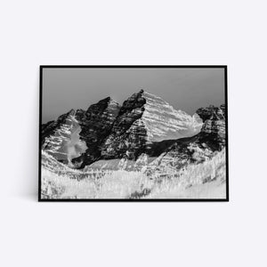 Black & White Mountain Range plakat i ramme