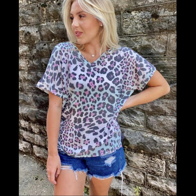 Baby Got Back Solid Back Leopard Print Short Sleeve Top