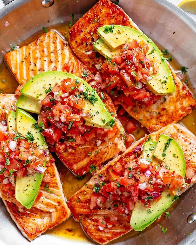AmbitiousWomenCookToo | Seared Salmon with Tomato Avocado Salsa