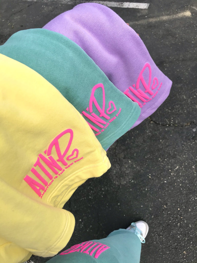 AITNP Springtime Sweat Short Essentials - Ambition Is The New Pink