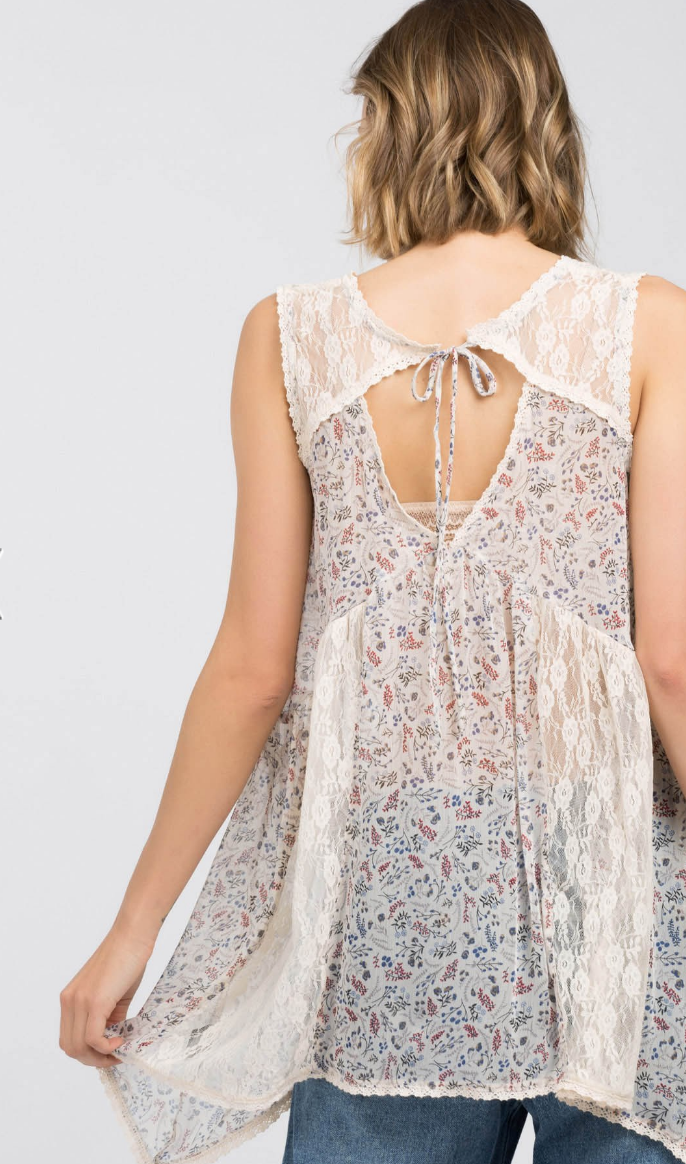 Sleeveless Contrasting Lace Print Top