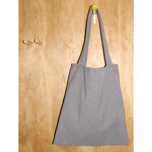 handy tote, grey dolly
