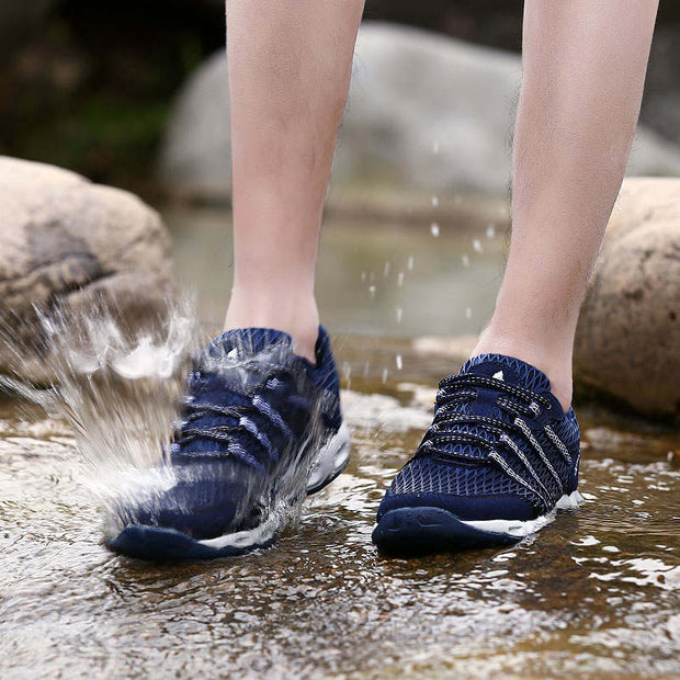 Men Solid Mesh Fabrics Breathable Outdoor Casual Shoes