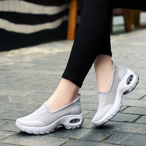 Women's Round Head Mesh Set Foot Flat Sports Casual Shoes