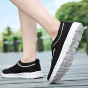 Men Summer Hollow Out Mesh Fabrics Breathable Casual Shoes